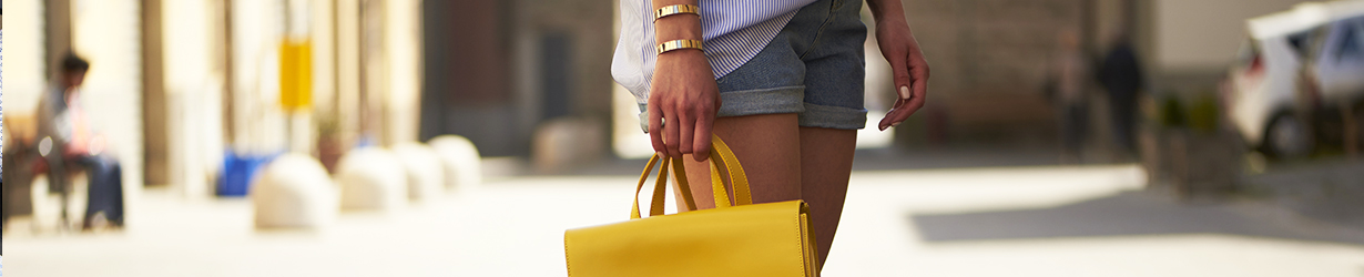 Summer accessories to wear in town